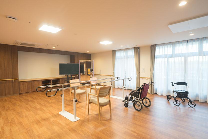 有料老人ホームモークシャ愛子の機能回復訓練室